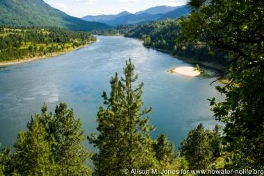 Canada:  British Columbia, Castlegar, Columbia River