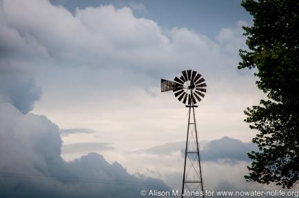 USA: Missouri, Middle Mississippi River Basin, West Alton, tornado skies