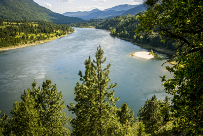 Canada: British Columbia, Castlegar, trail along Columbia River